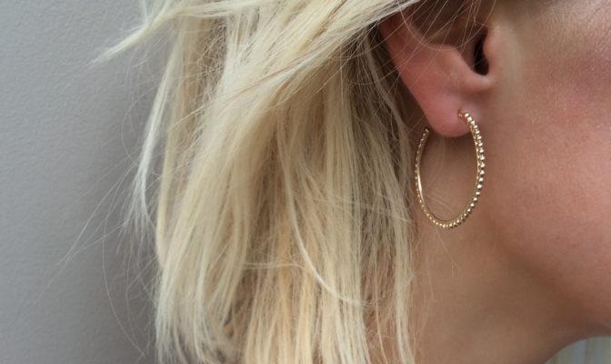 creoles ligne de perles vermeil jaune portee